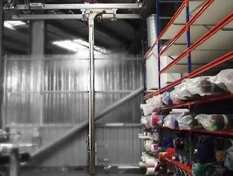 Mât gerbeur pour bobine de textile
