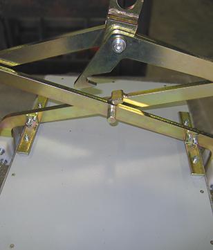 Pince pantographe pour lever des plaques