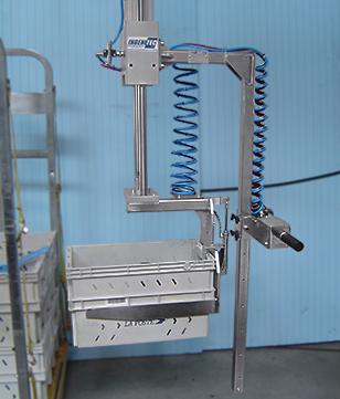 Manipulateur pneumatique de caisses plastique