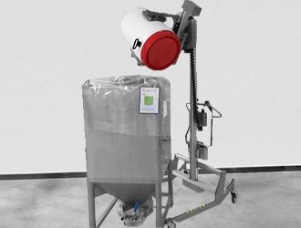 Chariot inox avec préhenseur de serrage et basculement pour bidons plastique